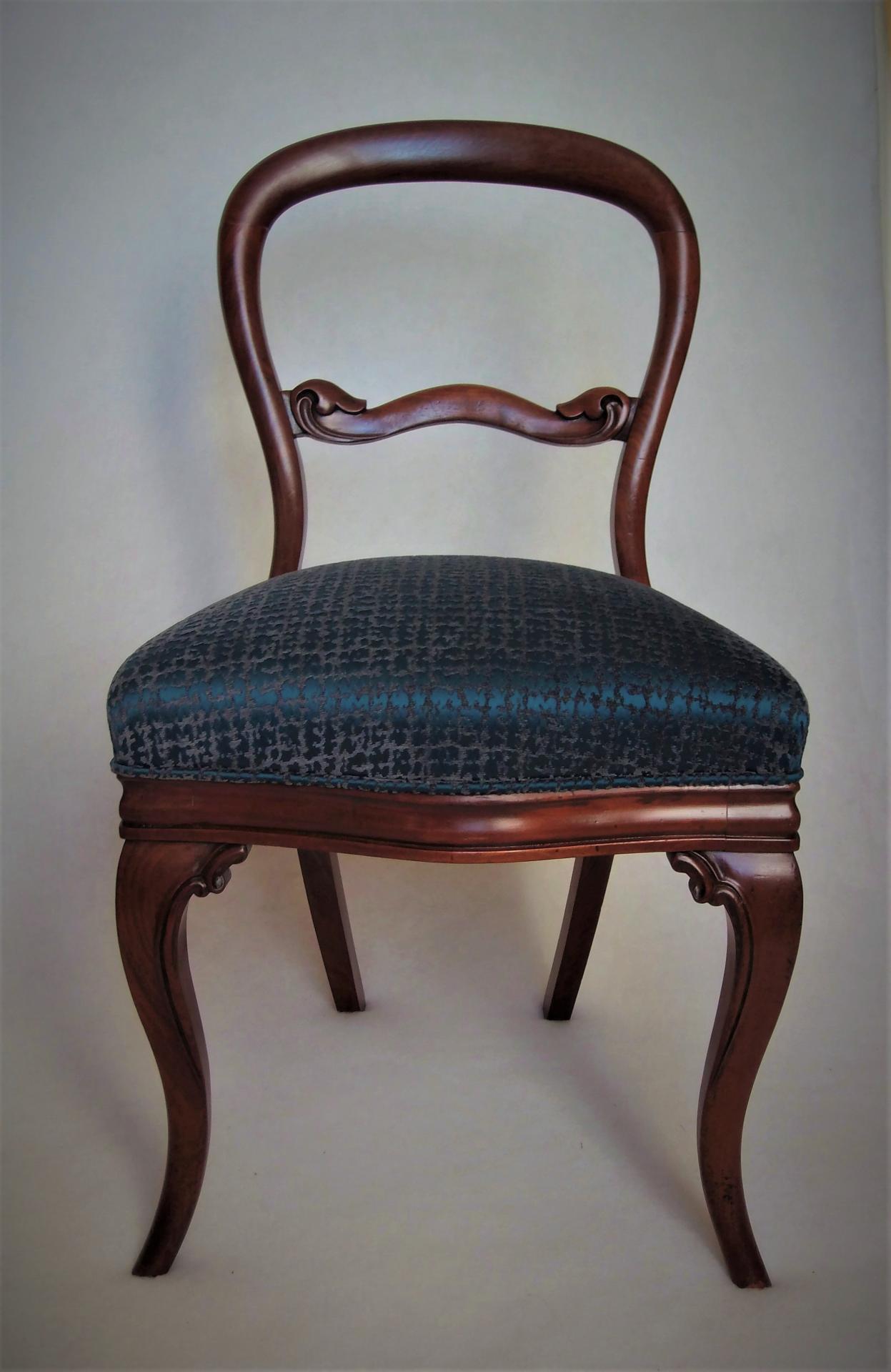 Chaise style victorien