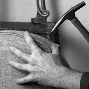 Mains d artisans tapissier romain testas 5